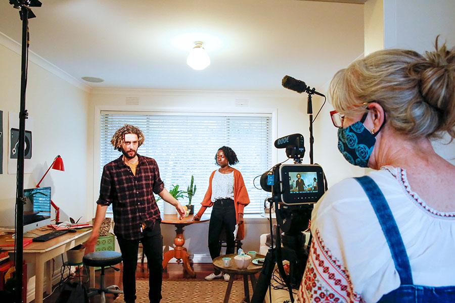actors in photo shoot